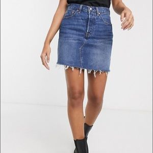 Levi's High Rise Deconstructed Skirt